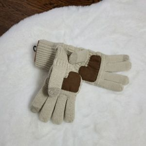 NWT C.C boutique smart touch Tip screen gloves